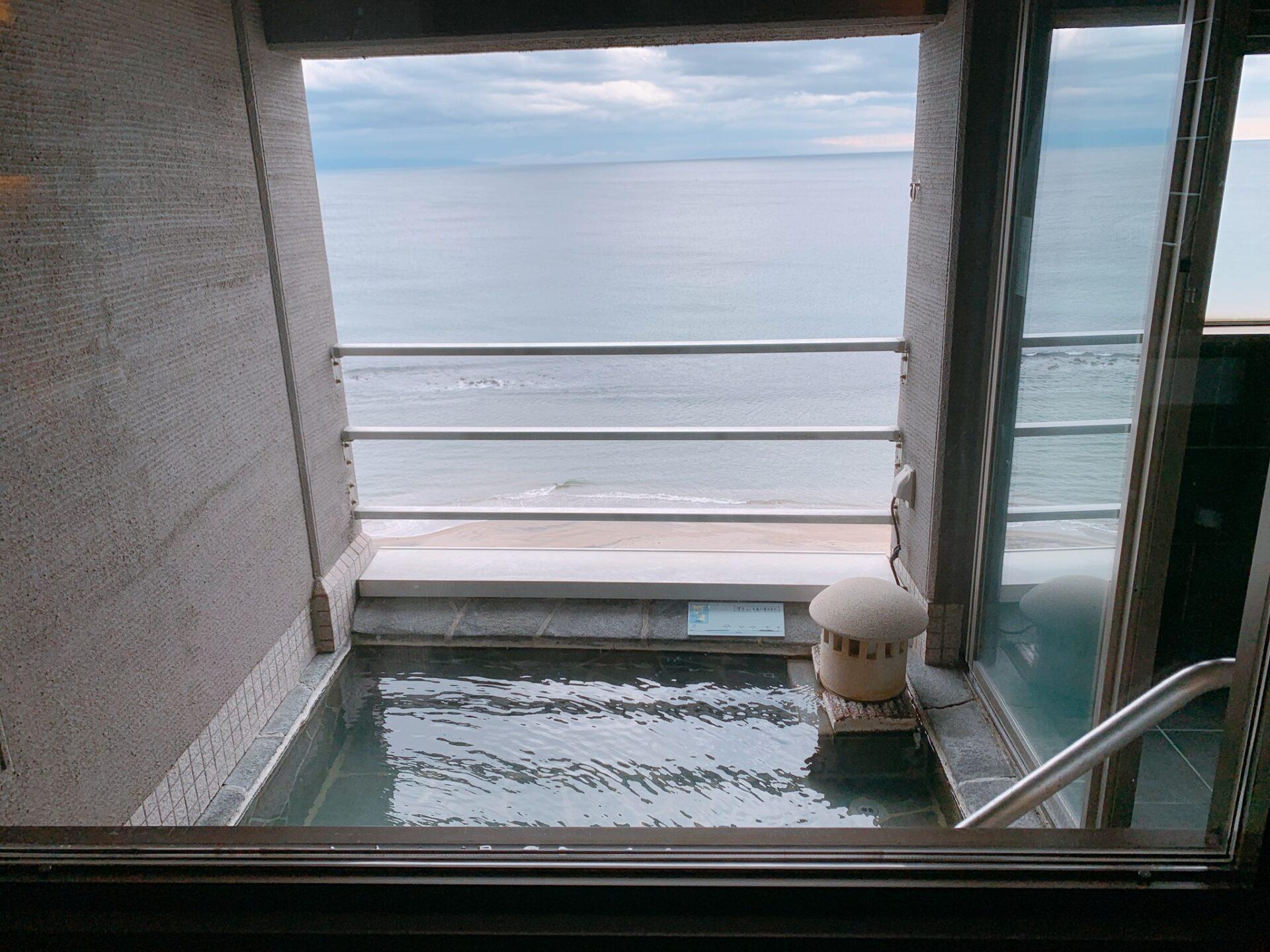 湯の川プリンスホテル渚亭の客室露天風呂