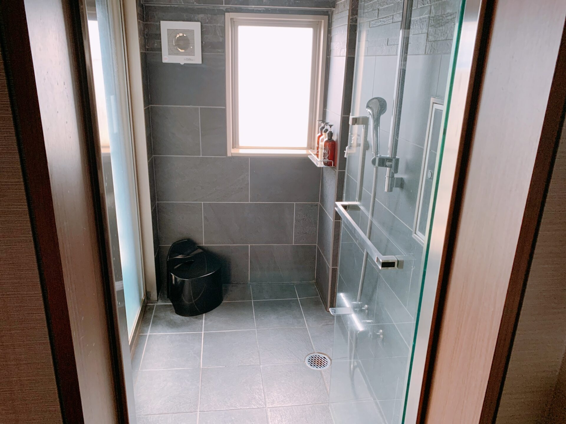 湯の川プリンスホテル渚亭の客室シャワールーム